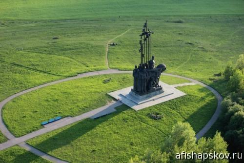 Псков памятник Невскому