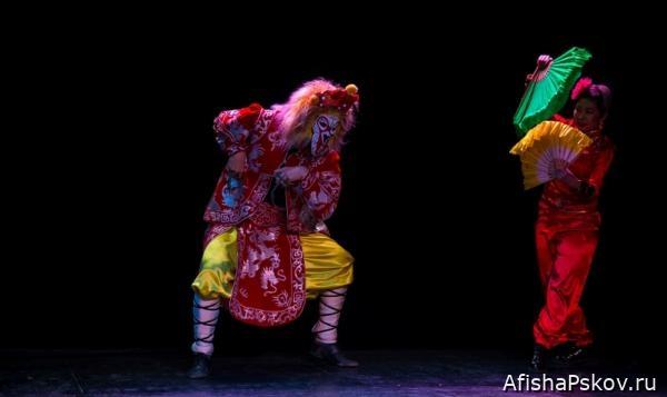 театр кукол «Ульгэр» из Улан-Удэ.